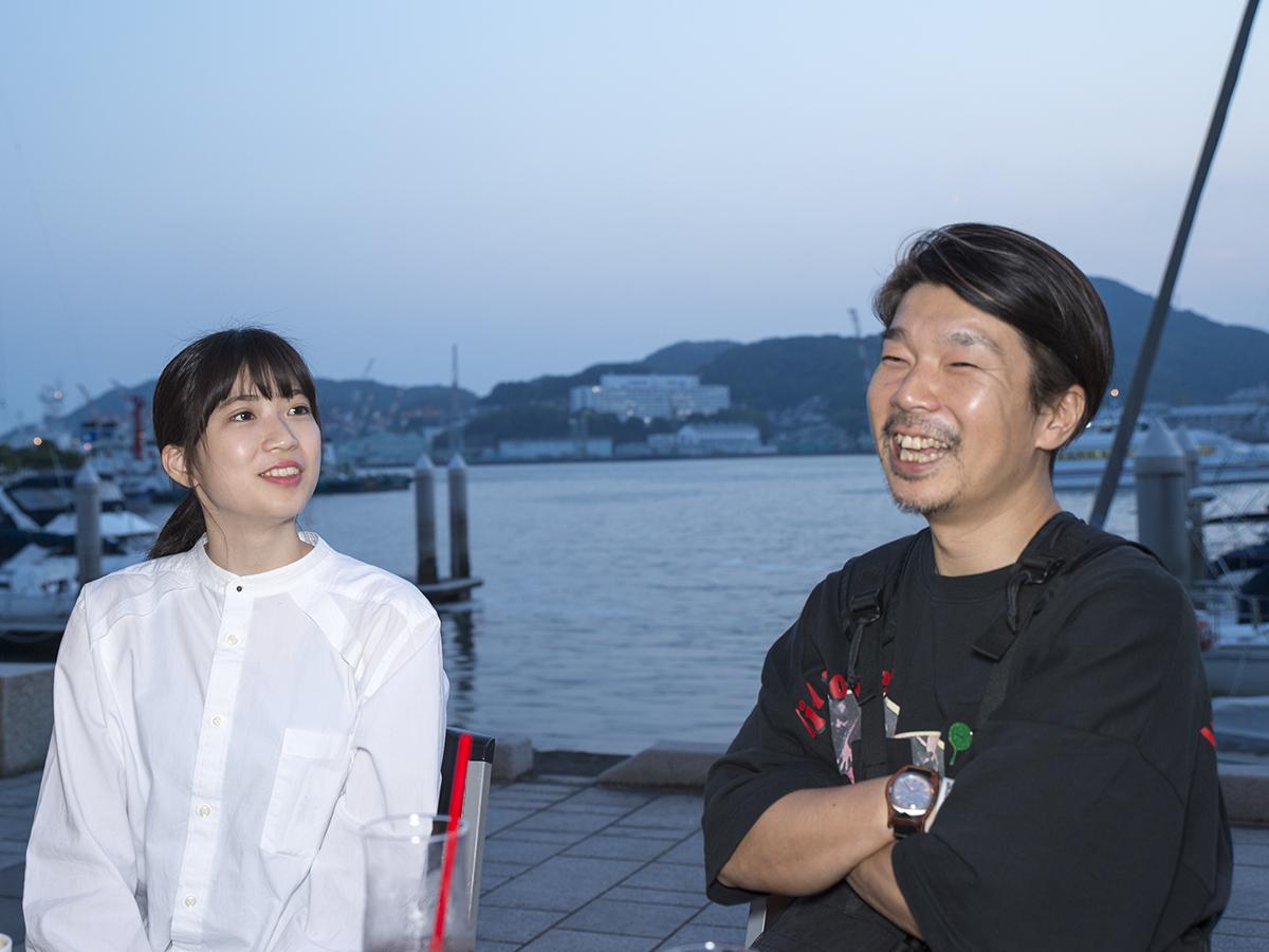 映画の見どころについて話す横尾監督と塩田さん